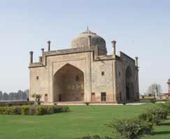 Agra Honeymoon