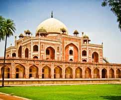 Honeymoon Tour To Agra